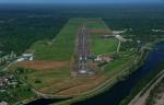 Bandar udara Moses Kilangin di Timika merupakan sentra bagi penerbangan ke dari wilayah proyek Freeport