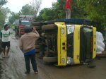 Truk Terguling di Nglorog  Sragen (Foto : Marhenyantoz)